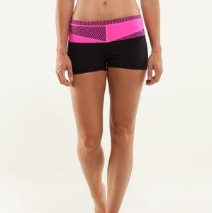 Lululemon Boogie Yoga Short Black Pink Lines